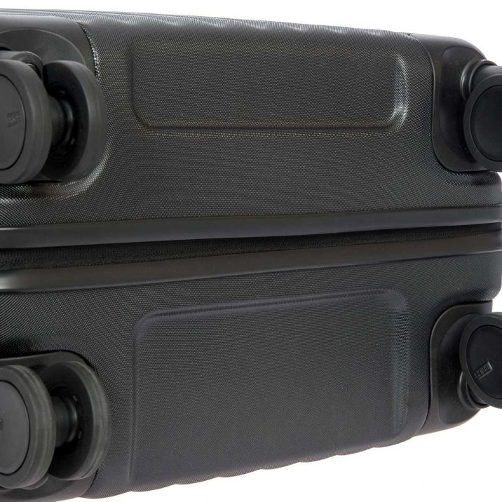 "Capri 27"" Spinner - Black | BRIC'S Luggage"
